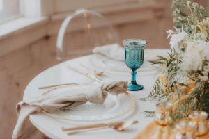 Honey and Bloom Creative branding styled shoot with Sincerely Jules Studio
